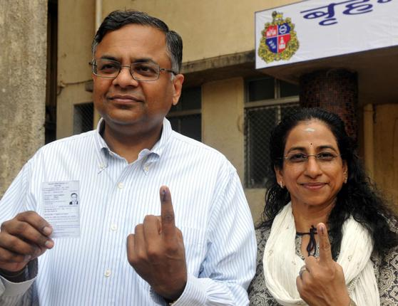 Voting_in_Mumbai_1_2155172g